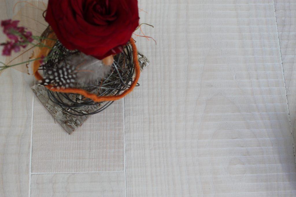Vollholz-Boden hergestellt aus Esche durch Holz-werke.ch aus Kirchberg SG.