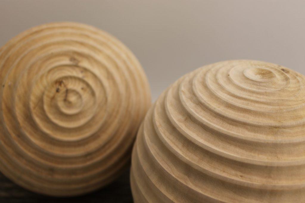 Holzkzugel - hergestellt durch Ueli Scherrer - Inhaber der Firma Holz-Werke.ch in Kirchberg SG.