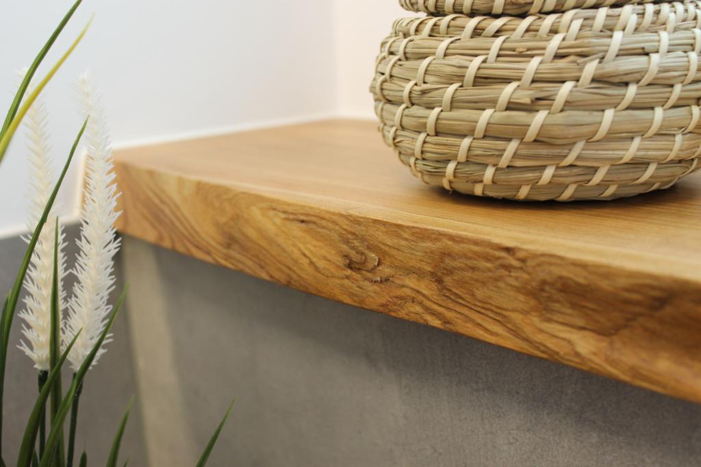 Kirsch-Holz-Brett als Fensterablage