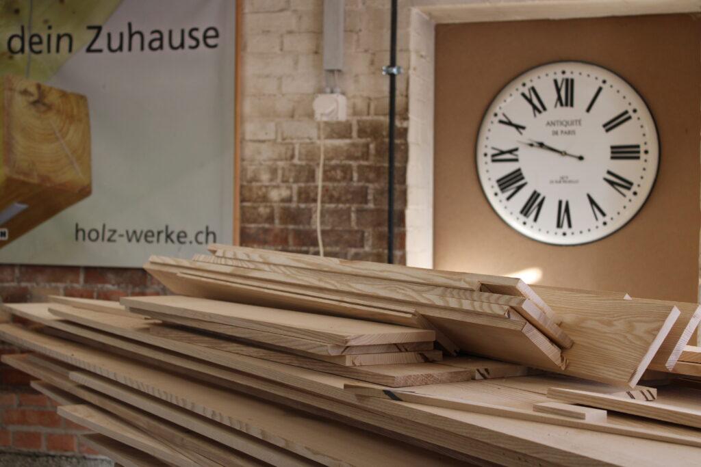 Möbel werden pünktlich nach Zeitplan geliefert.