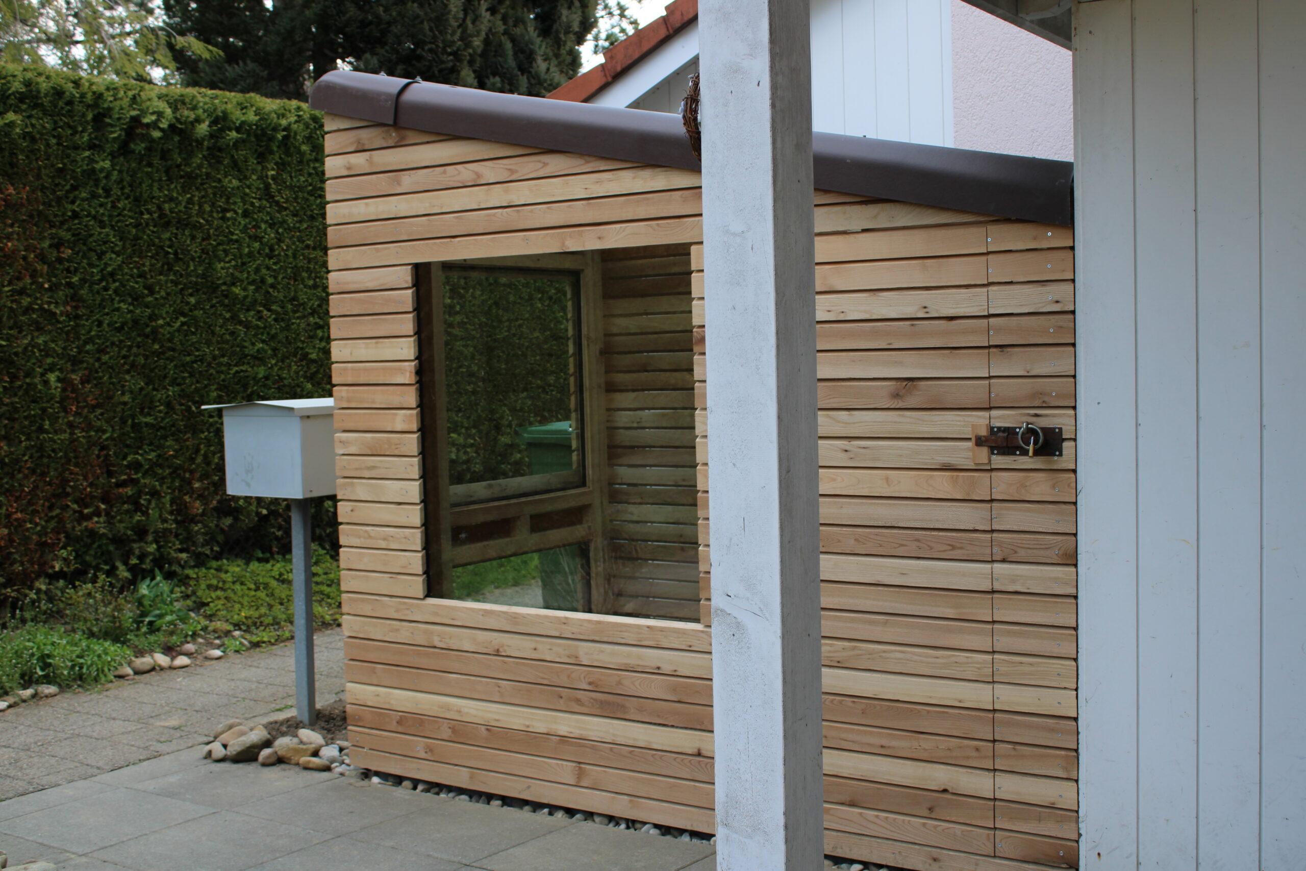 Gartenhaus aus Eibe von der Zimmerei / Schreinerei Holz-Werke.ch in Kirchberg SG.